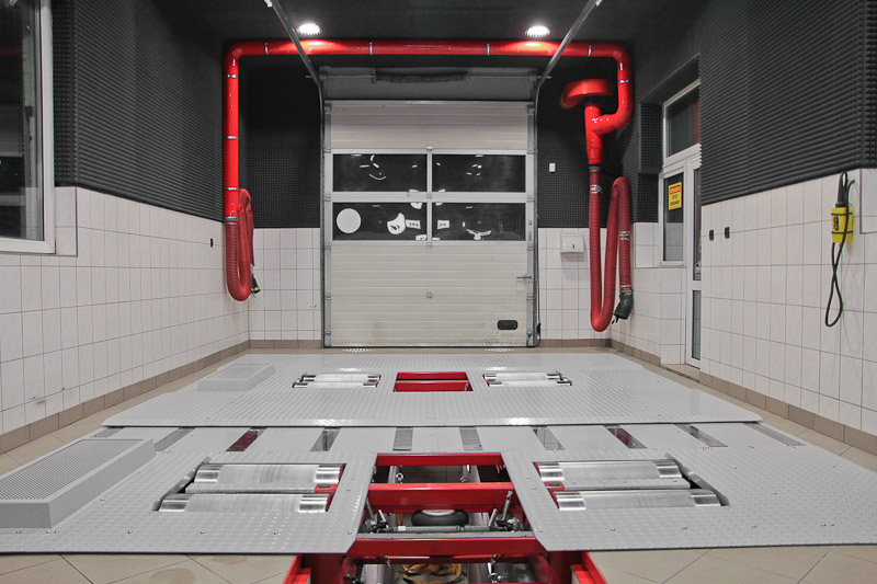 VT4 chassis dynamometer